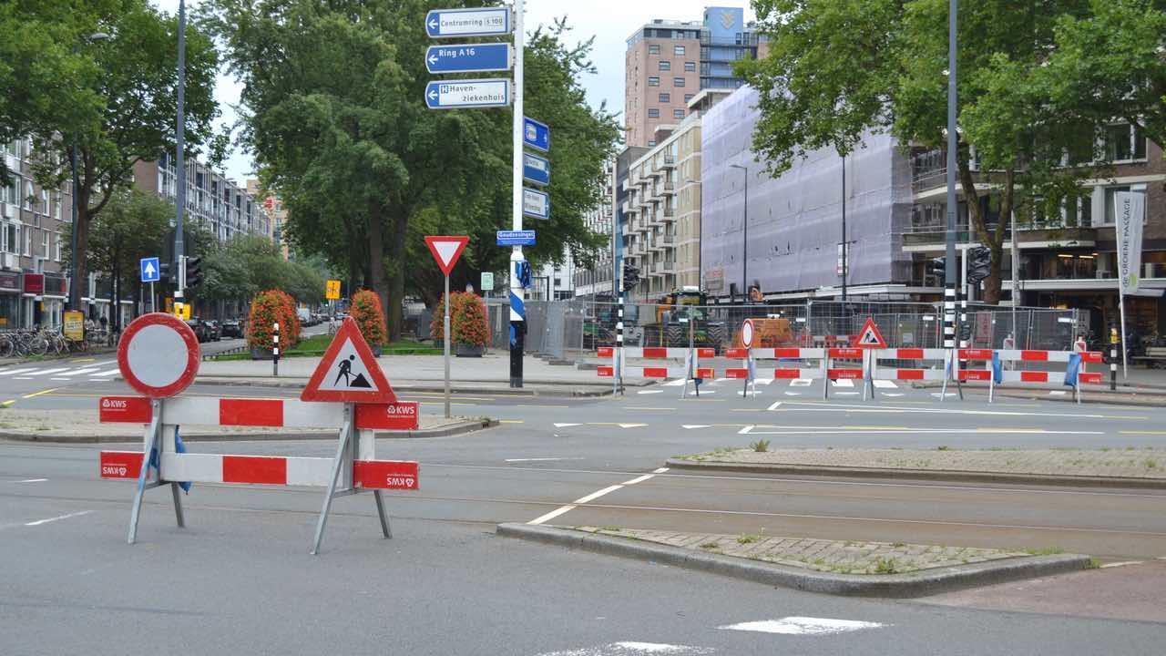 Vier autos botsen bij Bergambacht N210 afgesloten  Foto